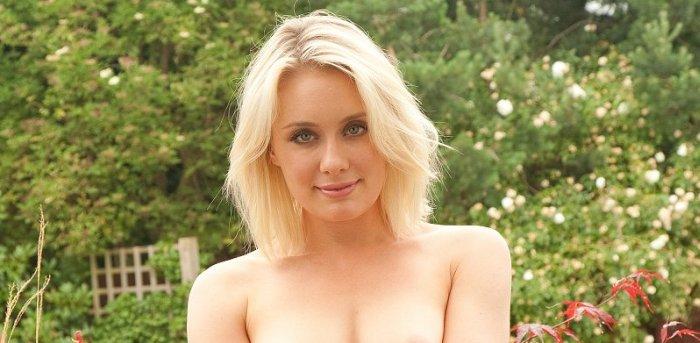ontspannend blond seks in de buurt Buren