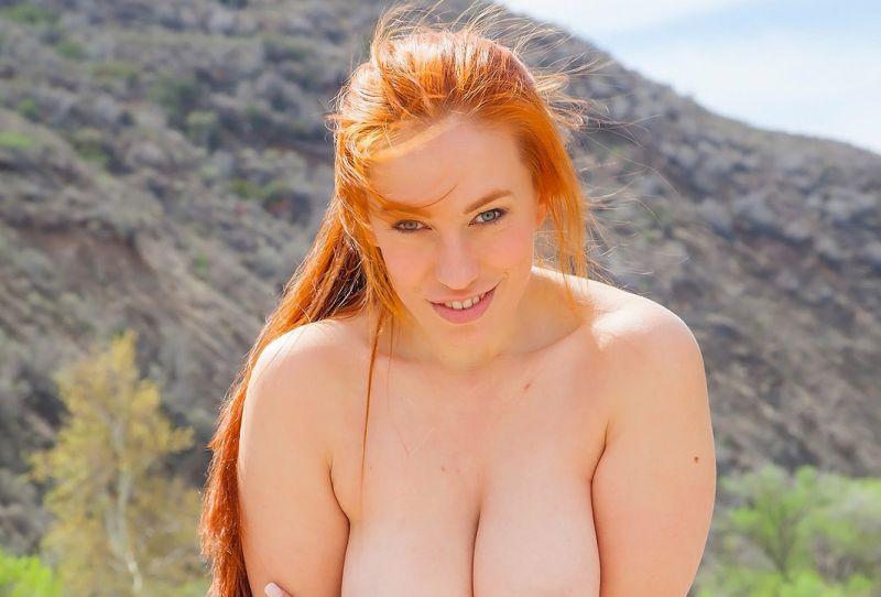 rubber Gianna en haar dikke tieten