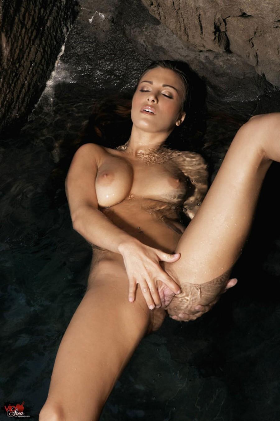 spelen met grote borsten vrouw zoekt anale sex
