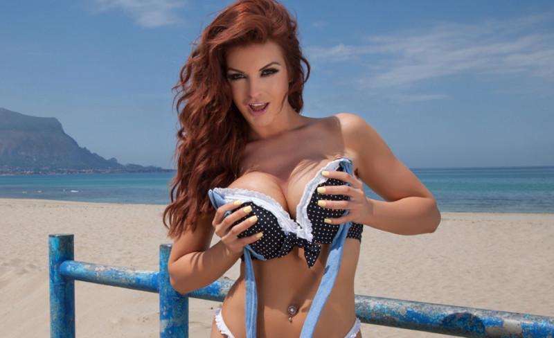 pijpen strand grote borsten priveontvangst