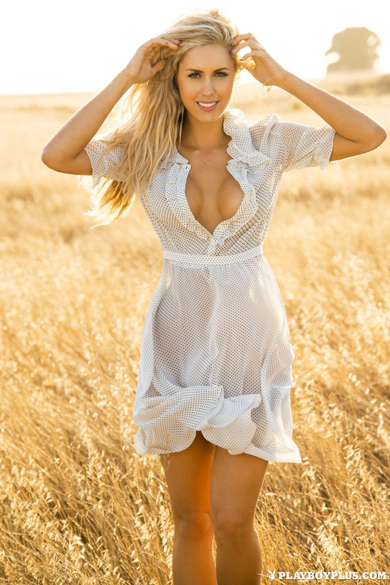Hot girlfriend from sexxdates with cumshot 8
