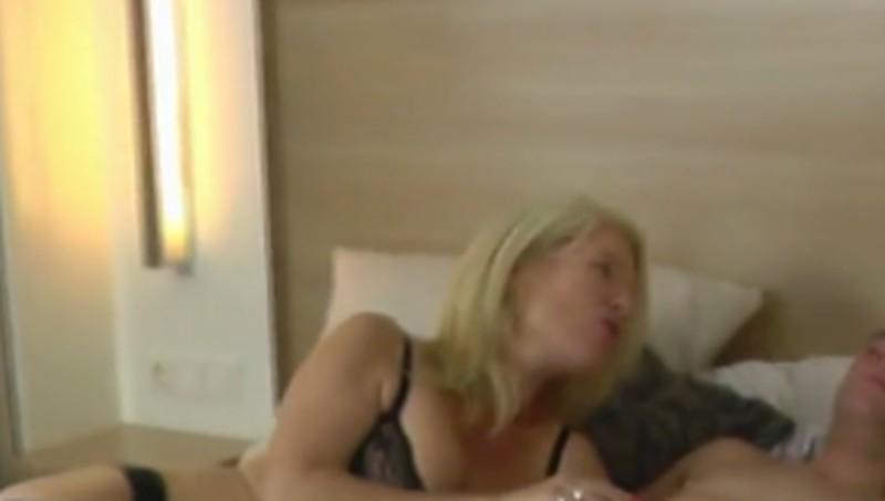 naakt pissen erotische massage noord holland
