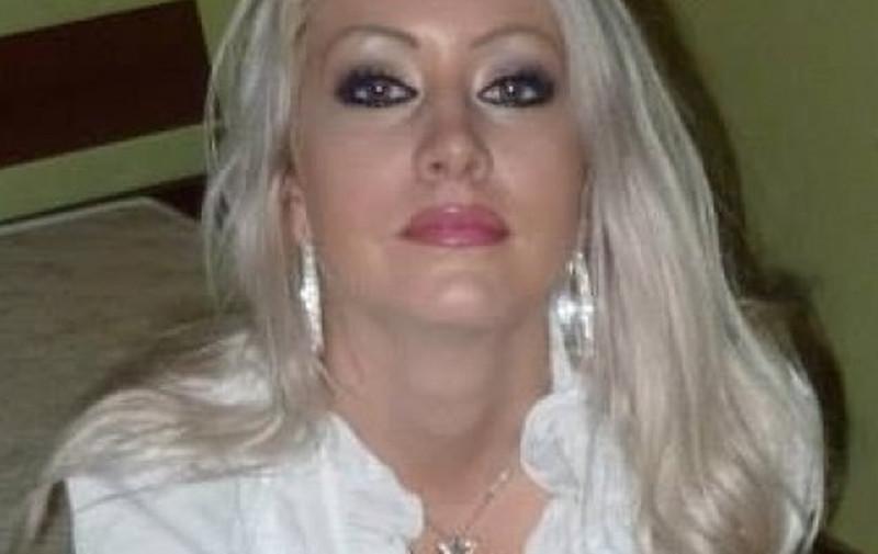 mooie blonde sexdate lesbisch