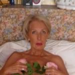 Mooie rijpe vrouw, 64 jaar, geilt op rollenspellen