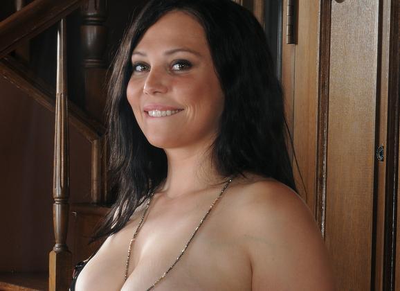 rooie milf erotische body to body massage