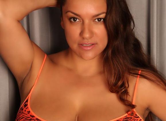 Big-tit tanned brunette Monica Mendez is smoking a cigarette № 602587 бесплатно