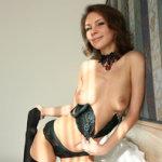 Galina, Russische babe in sexy zwarte lingerie