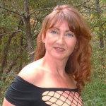 Vrouw van 53 jaar houdt van seks in de natuur en stoute mannen