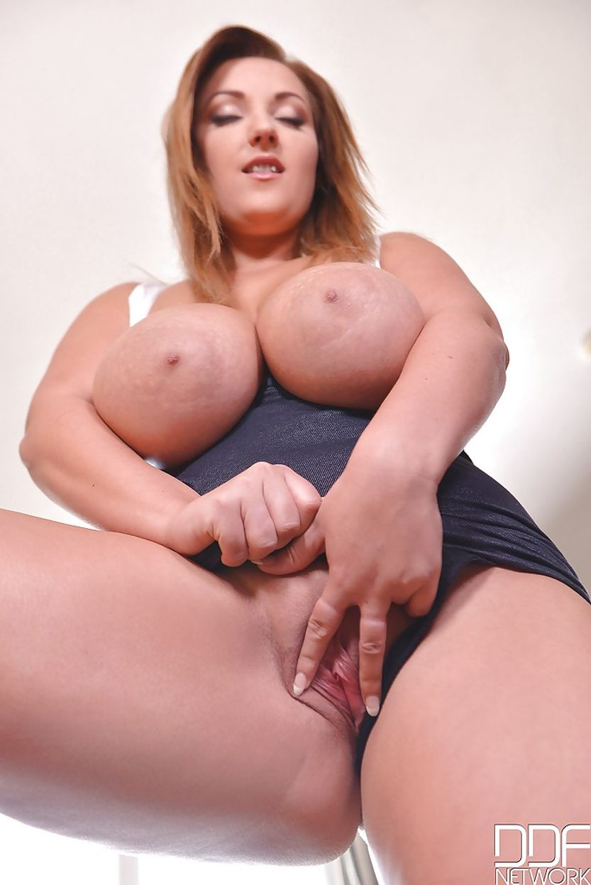 Jiggle Those Tits